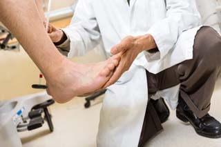 How do you treat diabetic feet?